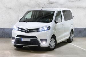 Toyota Proace Bus